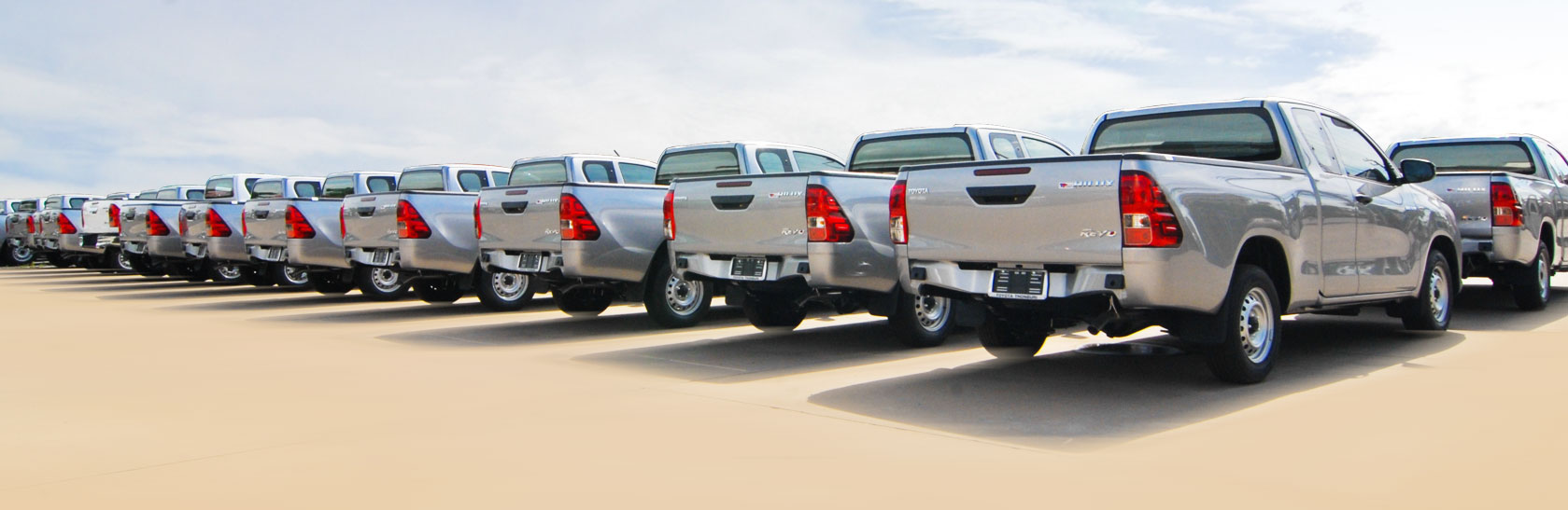 banner-hilux-revo-2015-extra-cab_03_02
